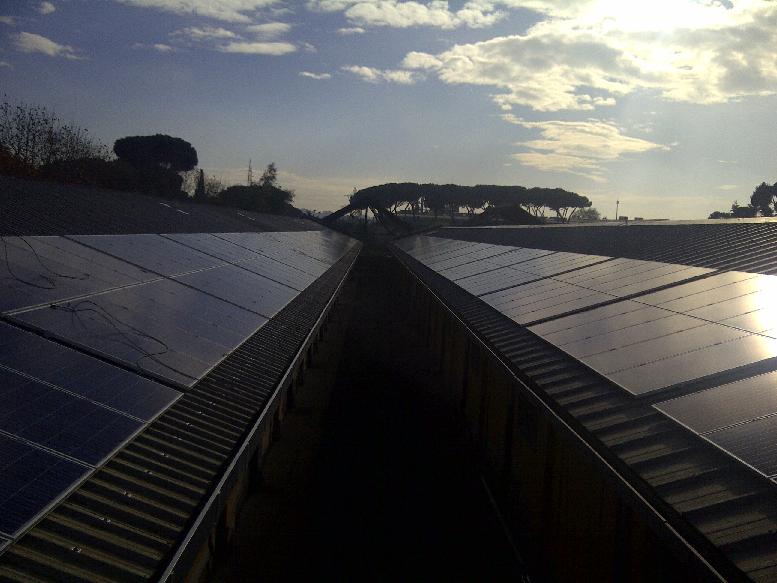 L'impianto fotovoltaico realizzato sul tetto dell'edificio del Senato realizzato dalla Solon
