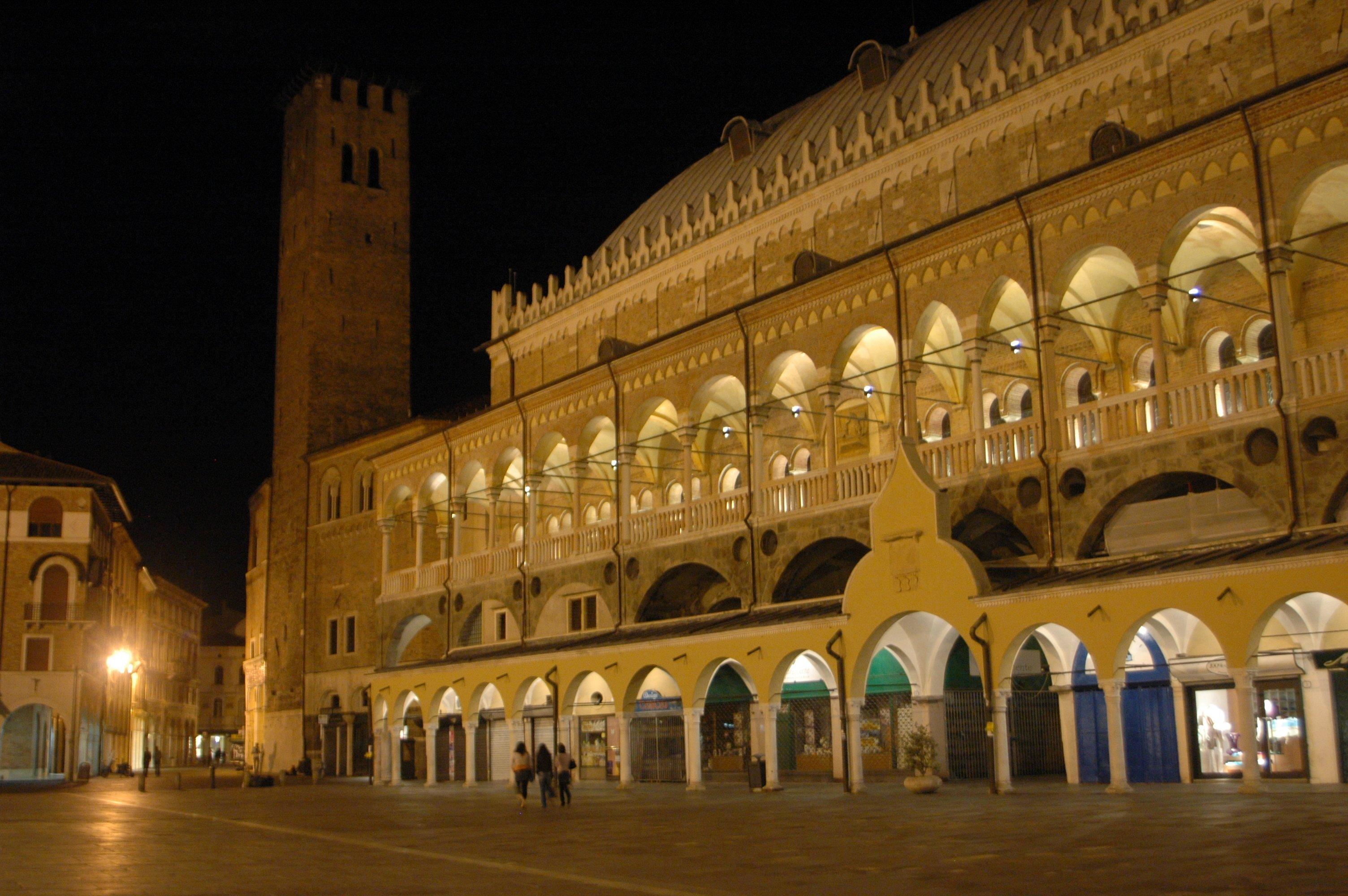 Padova, piazza dei Frutti