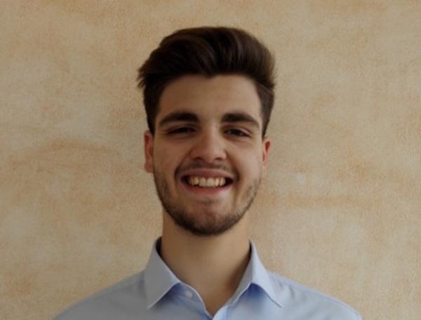Samuele Bellusci, giovane venditore per Astro Italia