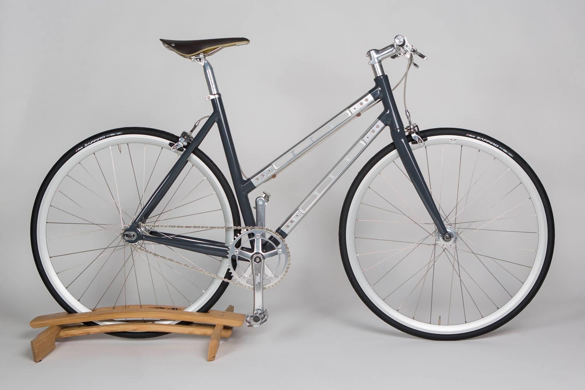 La bicicletta progettata da Andrea Colussi, prodotta grazie al microcredito del Lions Club Padova Certosa