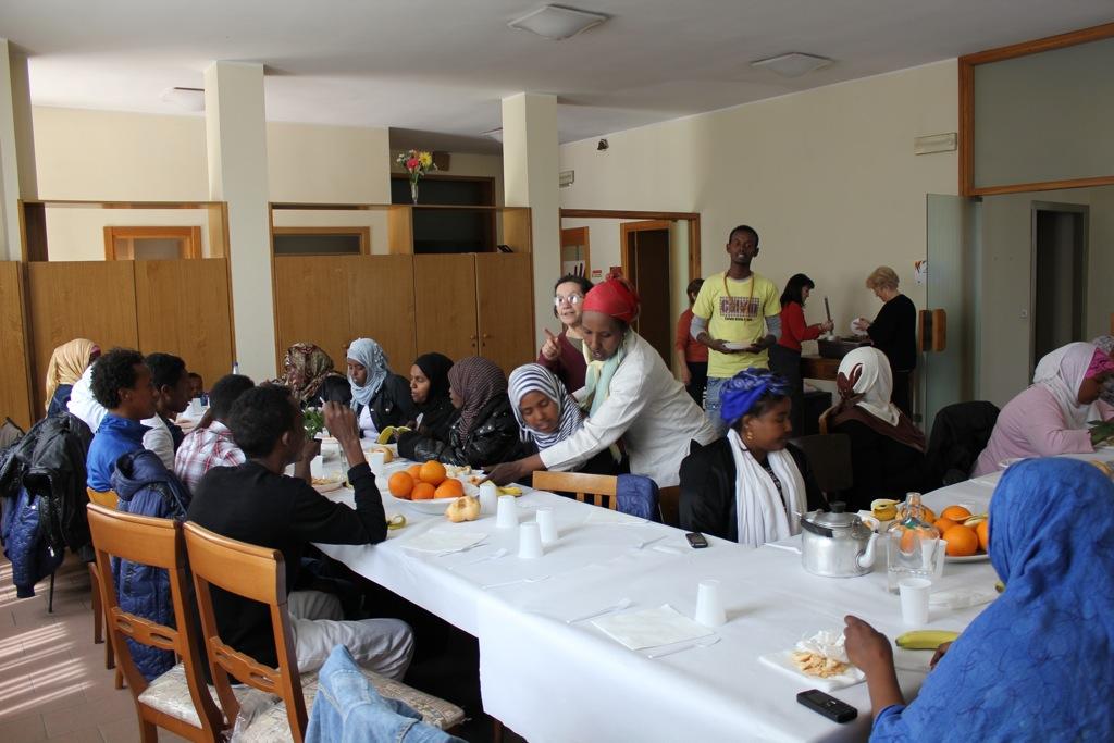 Richiedenti asilo in una struttura di accoglienza