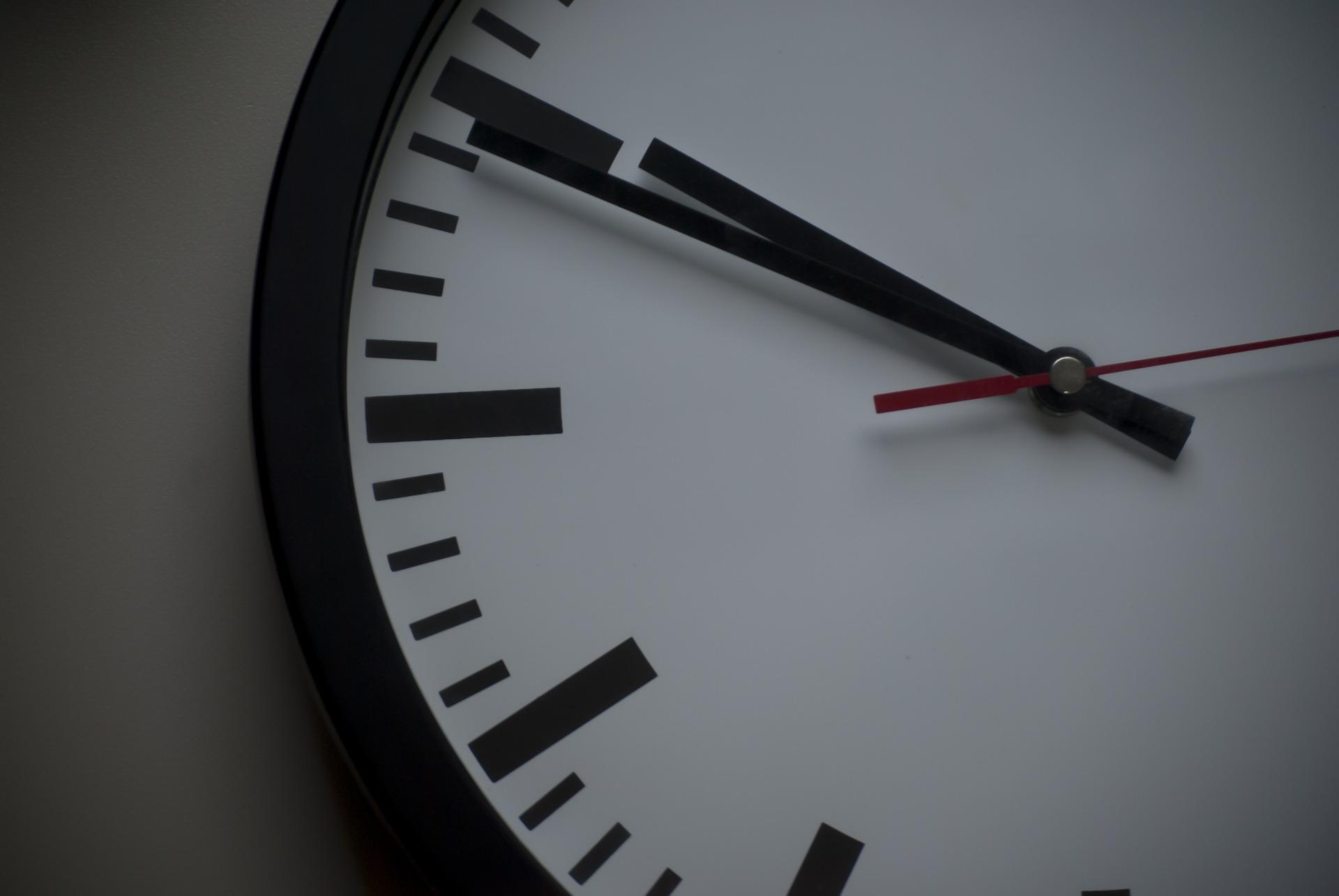 orologio-tempo-clock-897711_1920