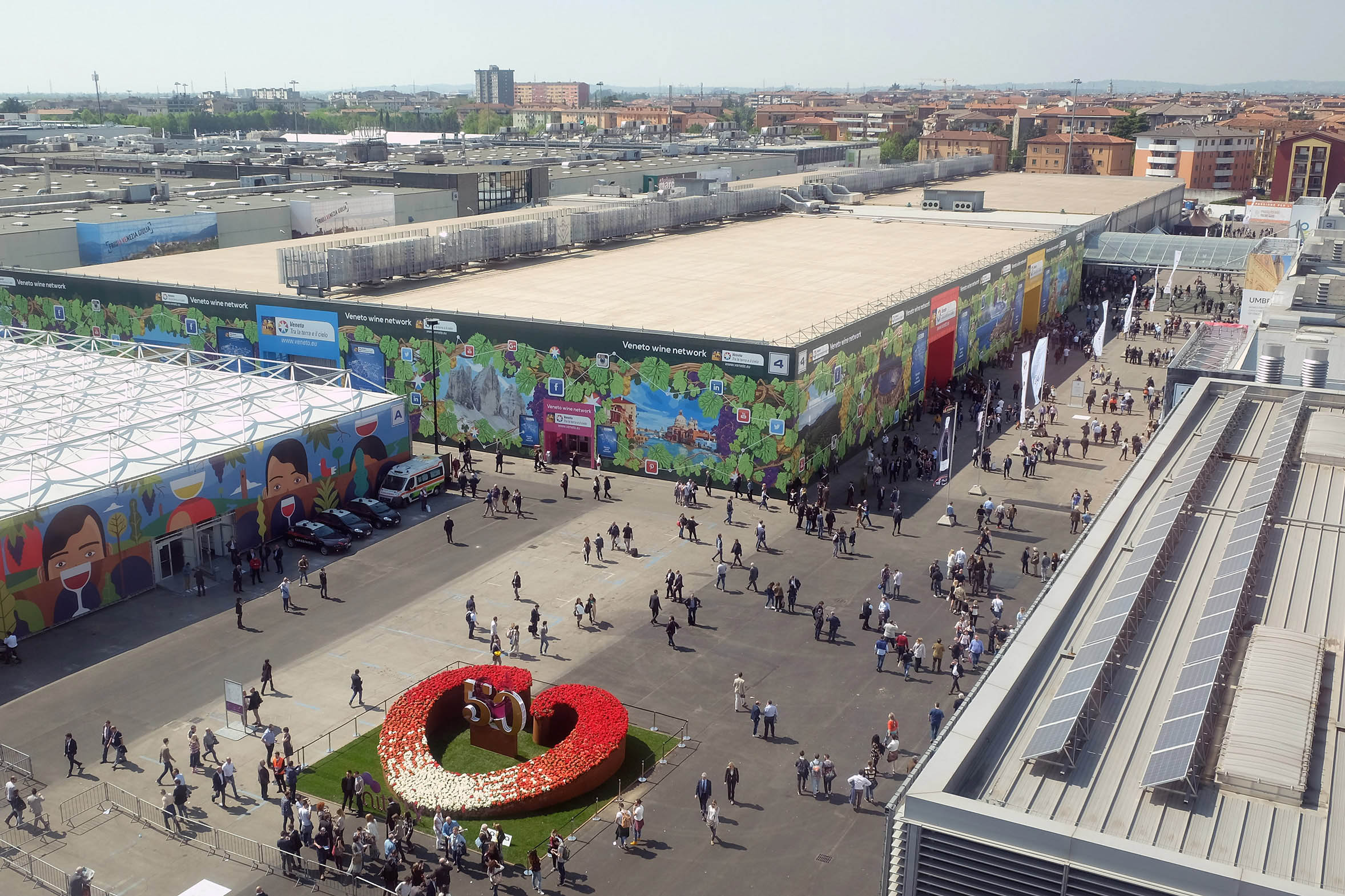 Veronafiere 2016 da 78 milioni di euro e 1 3 milioni di for Verona fiera