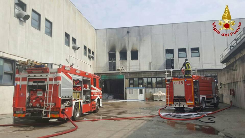 incendio conceria Basmar Trissino