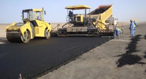 Lavori della Conicos all'aeroporto di Ghat in Libia