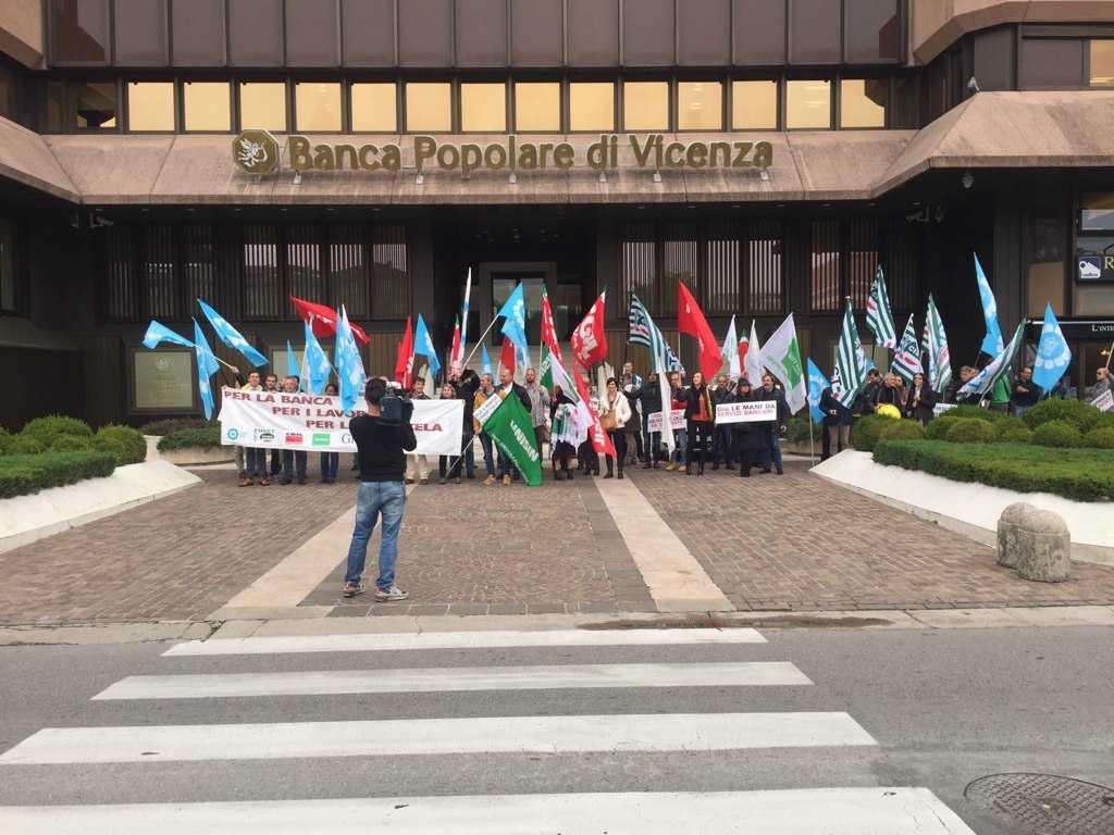 Banca Popolare di Vicenza manifestazione dei dipendenti