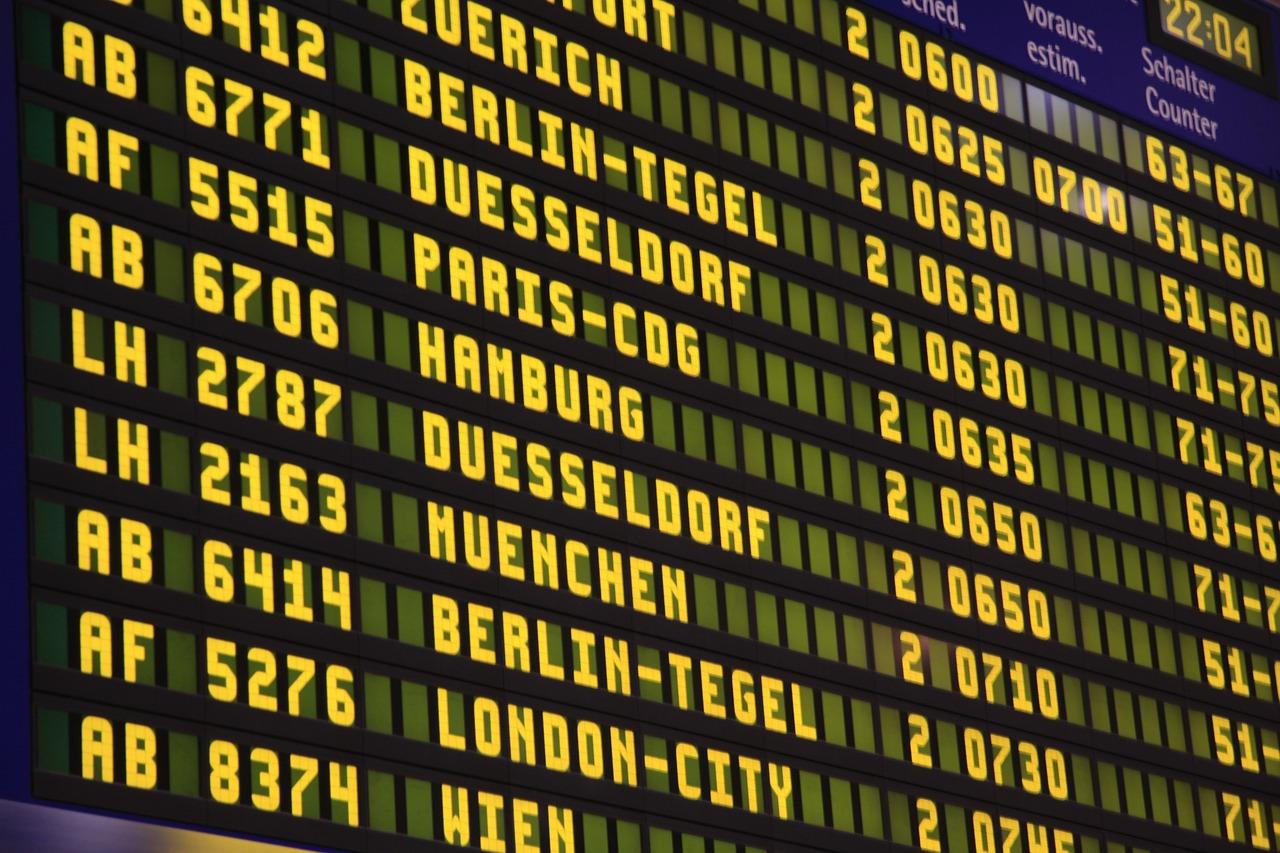partenze emigrati aeroporto