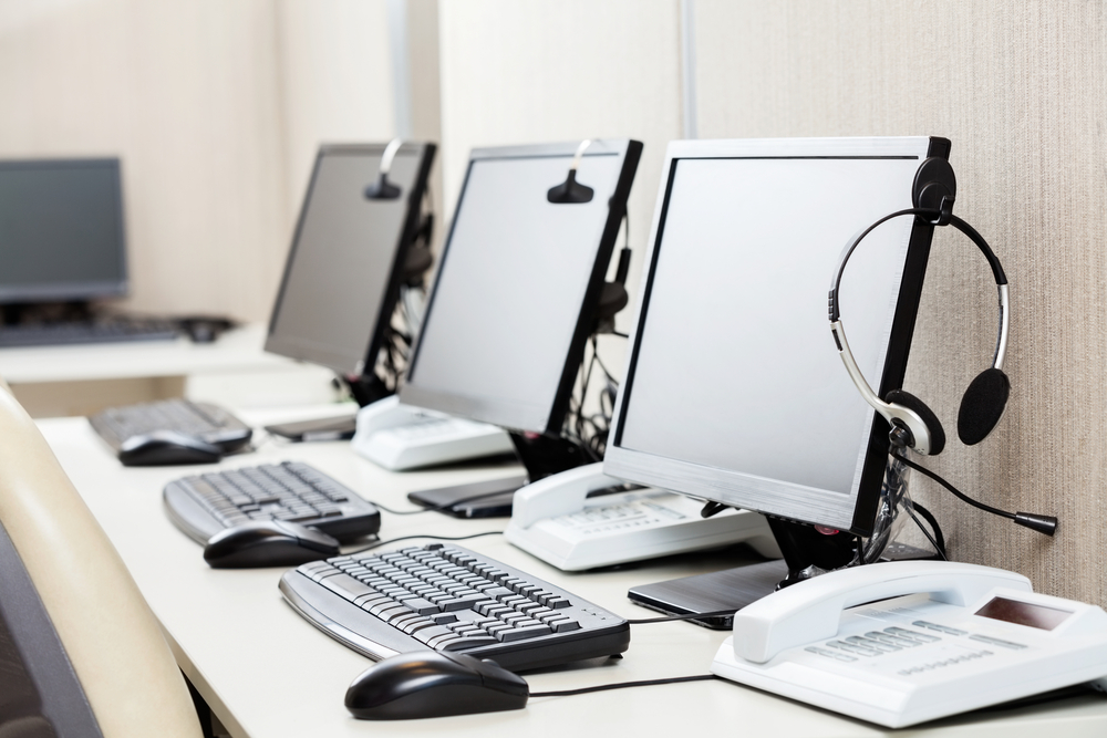tlc call center telecomunicazioni shutterstock
