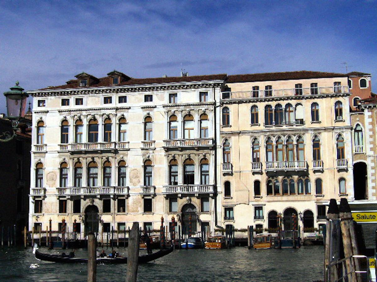 """Palazzo Ferro Fini dalla Salute"" by Stefano Remo - Own work. Licensed under CC BY-SA 3.0 via Commons - https://commons.wikimedia.org/wiki/File:Palazzo_Ferro_Fini_dalla_Salute.JPG#/media/File:Palazzo_Ferro_Fini_dalla_Salute.JPG"