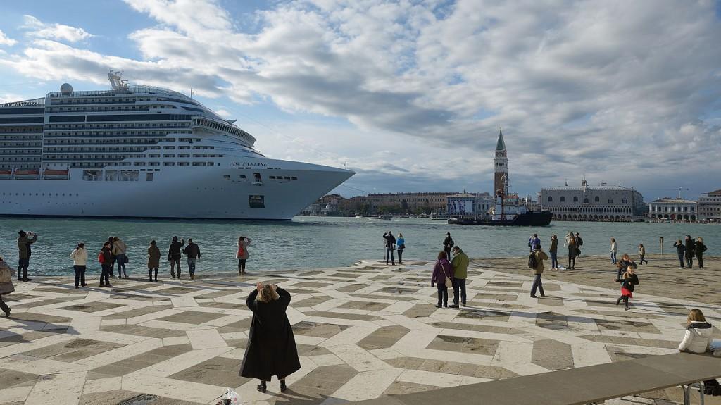 Tassa di sbarco a Venezia, ecco come funziona. In arrivo la Ztl per ...