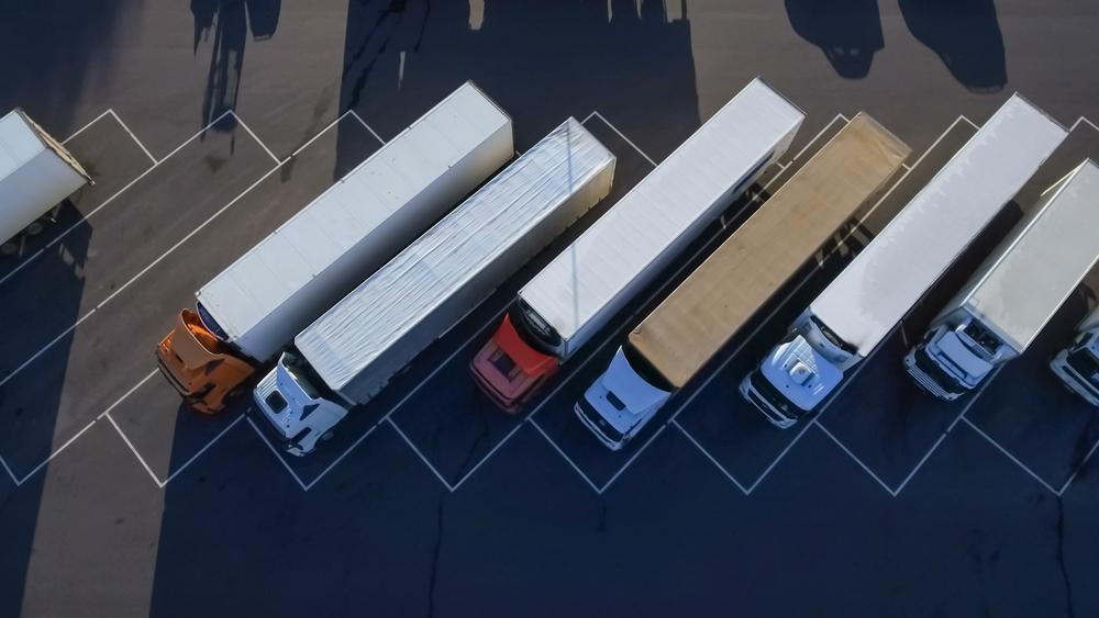 tir-camion-shutterstock_700565728
