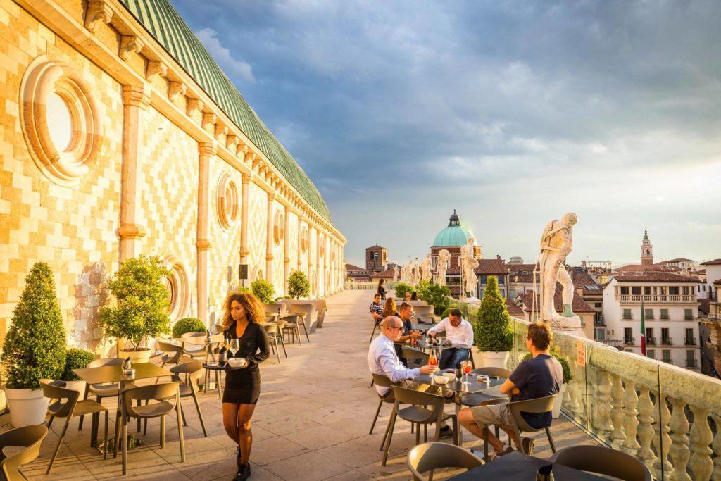 Basilica palladiana, bando deserto per gestire il bar della terrazza